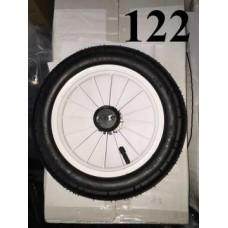 Колесо 12 дюймов Черное ( белый диск) с подшипником надувное